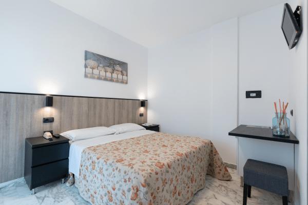 Camere modern Hotel Saint Tropez a Pineto