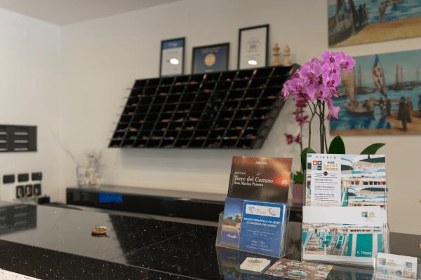 Ingresso Hotel Saint Tropez a Pineto in Abruzzo