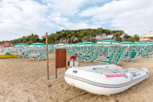 Spiaggia Hotel Saint Tropez a Pineto in Abruzzo